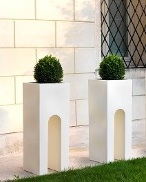 Roma composite planters in white