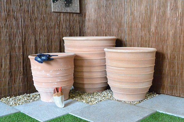 3 sizes of the Exara Terracotta planter