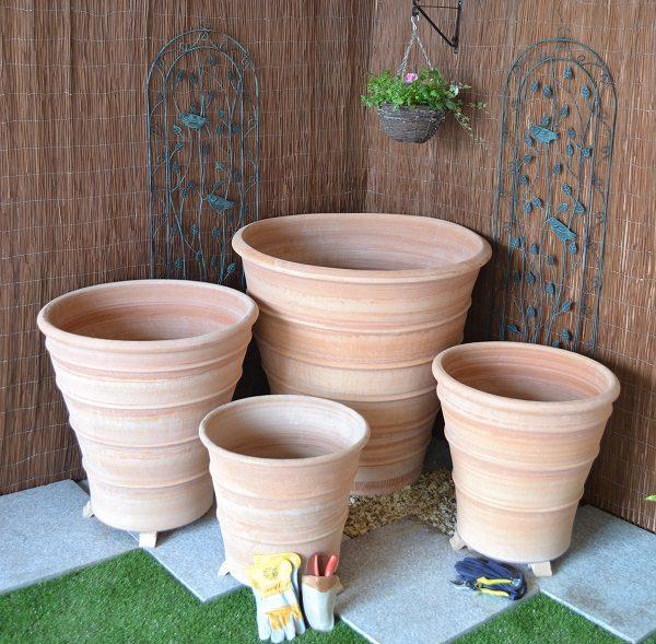 4 sizes of the Monachou Terracotta plant pot