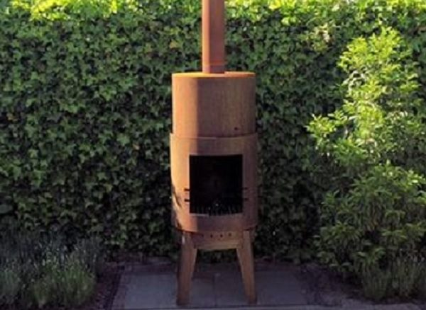 Bardi wood burner situated in a garden