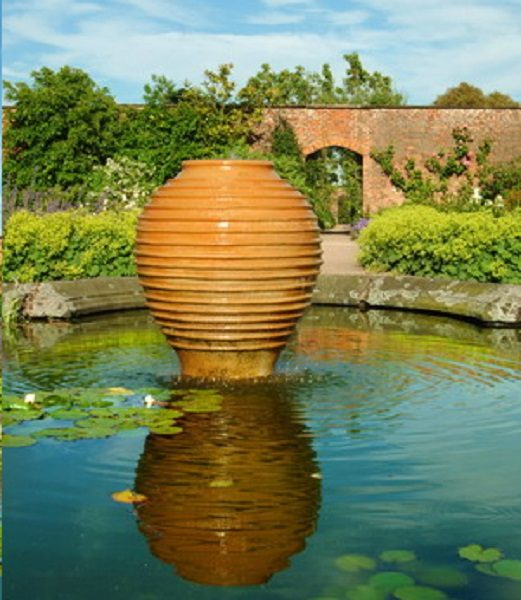 Water feature in a large pond