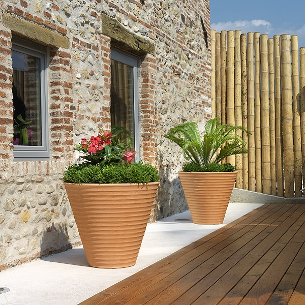 Africa Composite Planter in garden setting