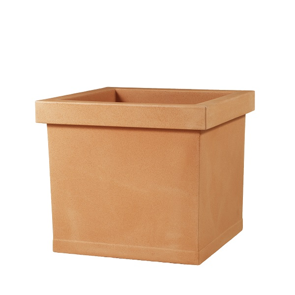 Liscio Square Planter is available in 3 colours