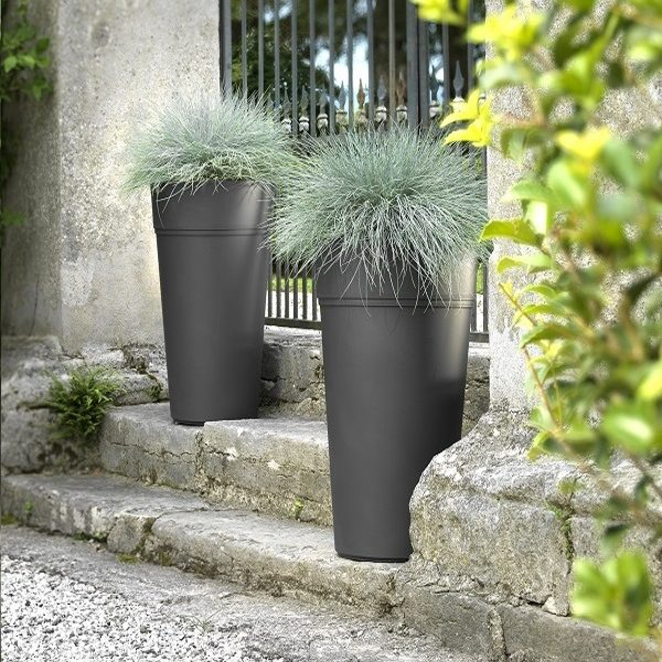 Populated Stem planters in grey