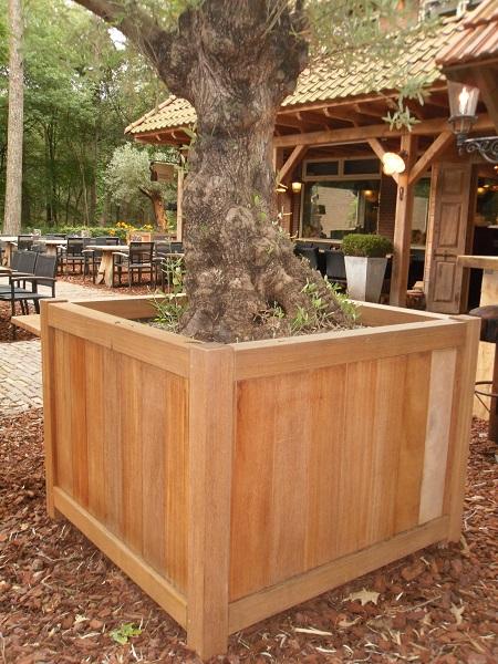 Wooden Bankirai Versailles planter